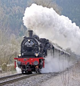 steam-locomotive-1352338_1280